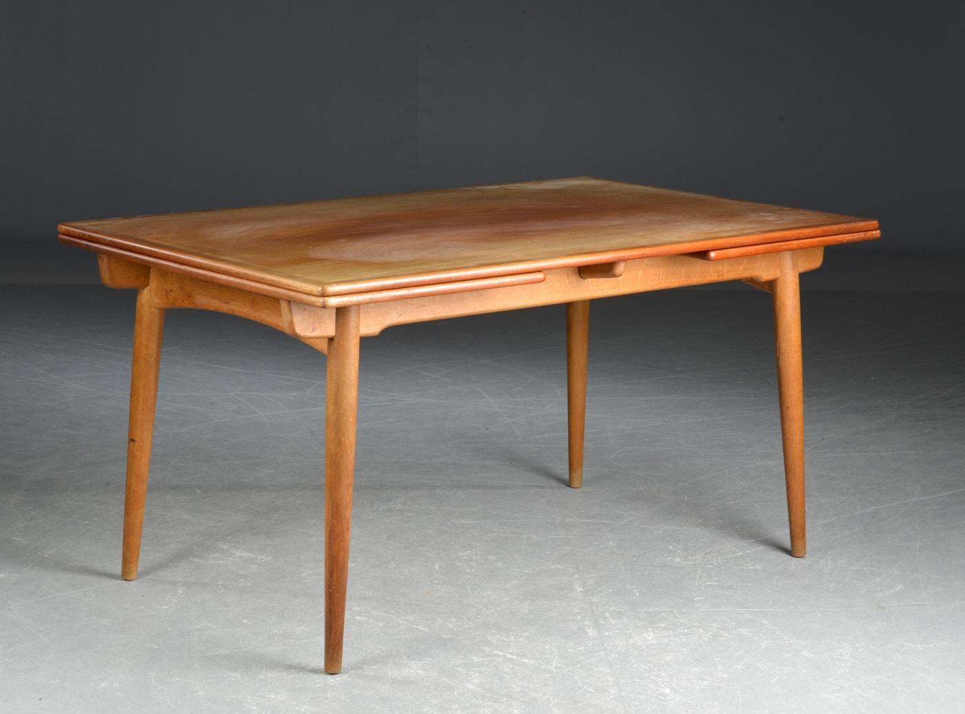 Hans J. Wegener - spisebord med butterfly udtræk